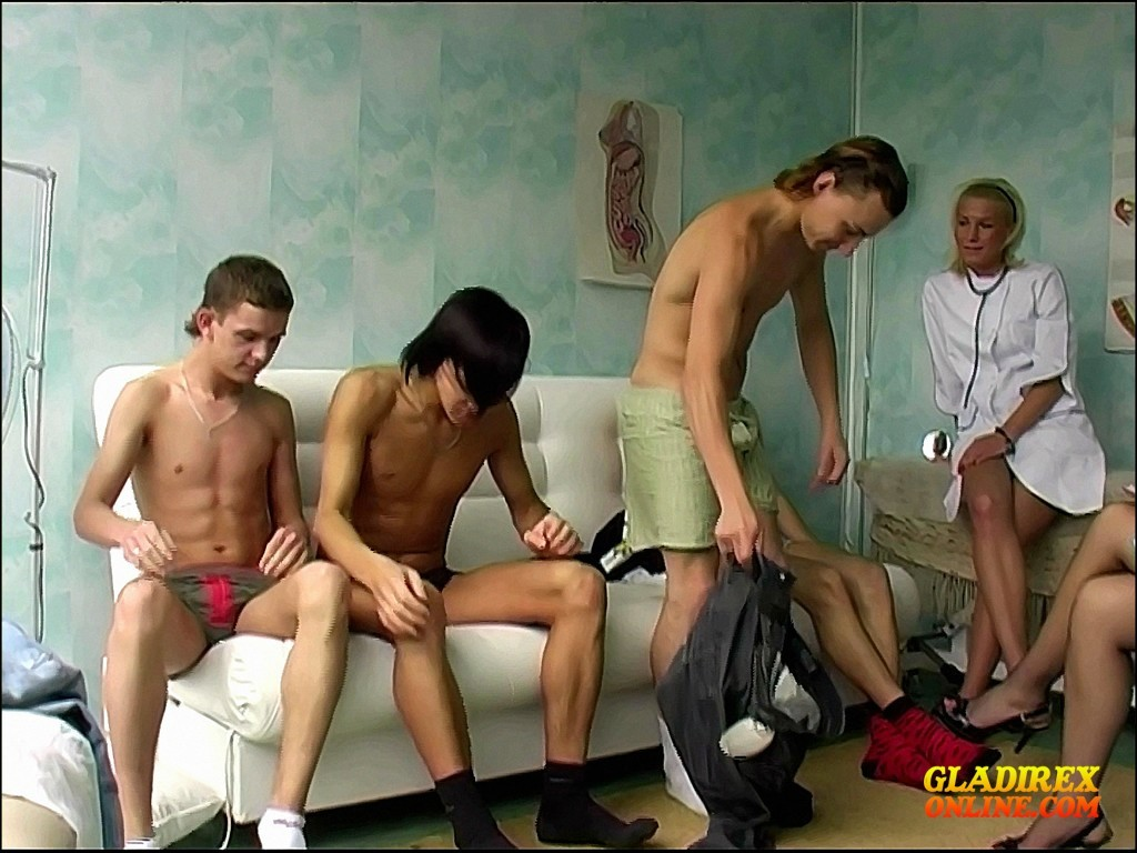 Young Boys Medical Exam - Group Exam Nr I Boys, Crazy -5309